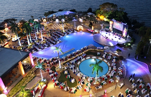 Beach Infini Pool | 1000 visitors