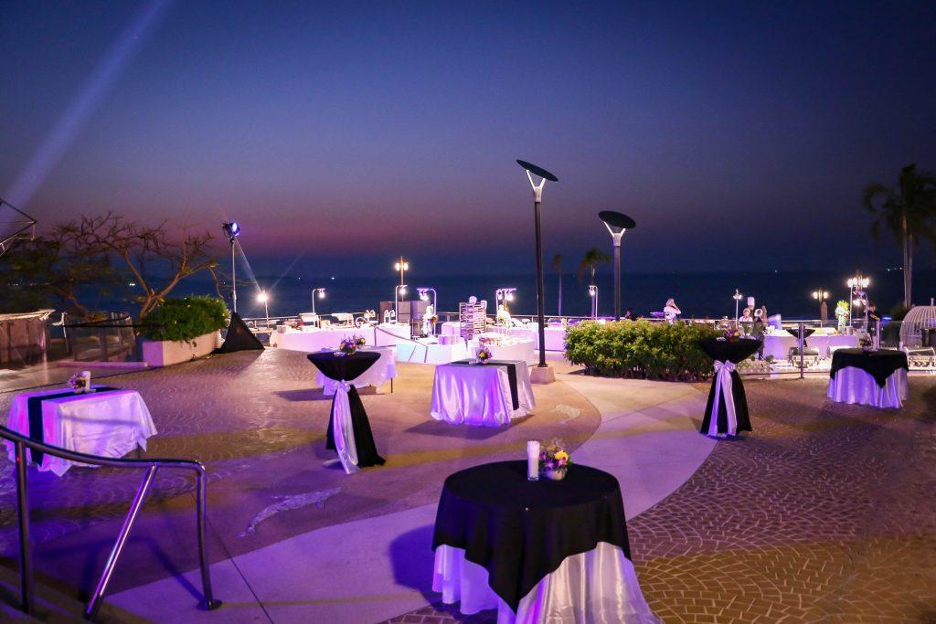豪华酒店无边泳池露台 | 150 visitors