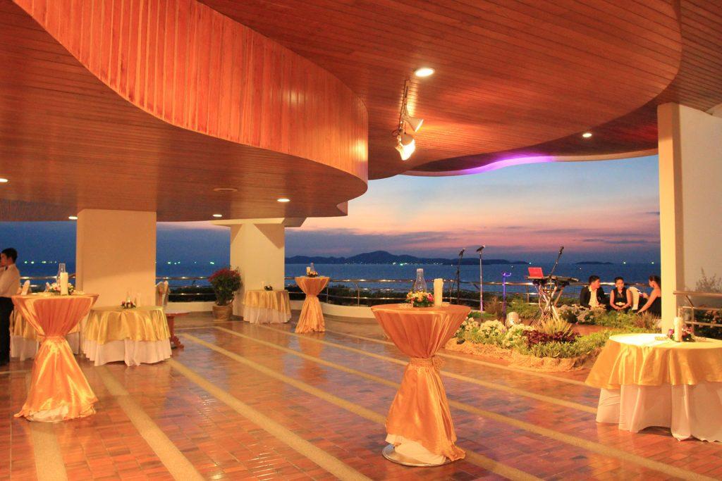 Grand Deck | 200 visitors